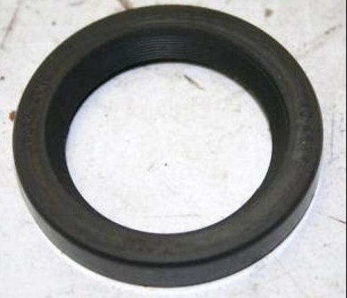 Front axle case inner seal